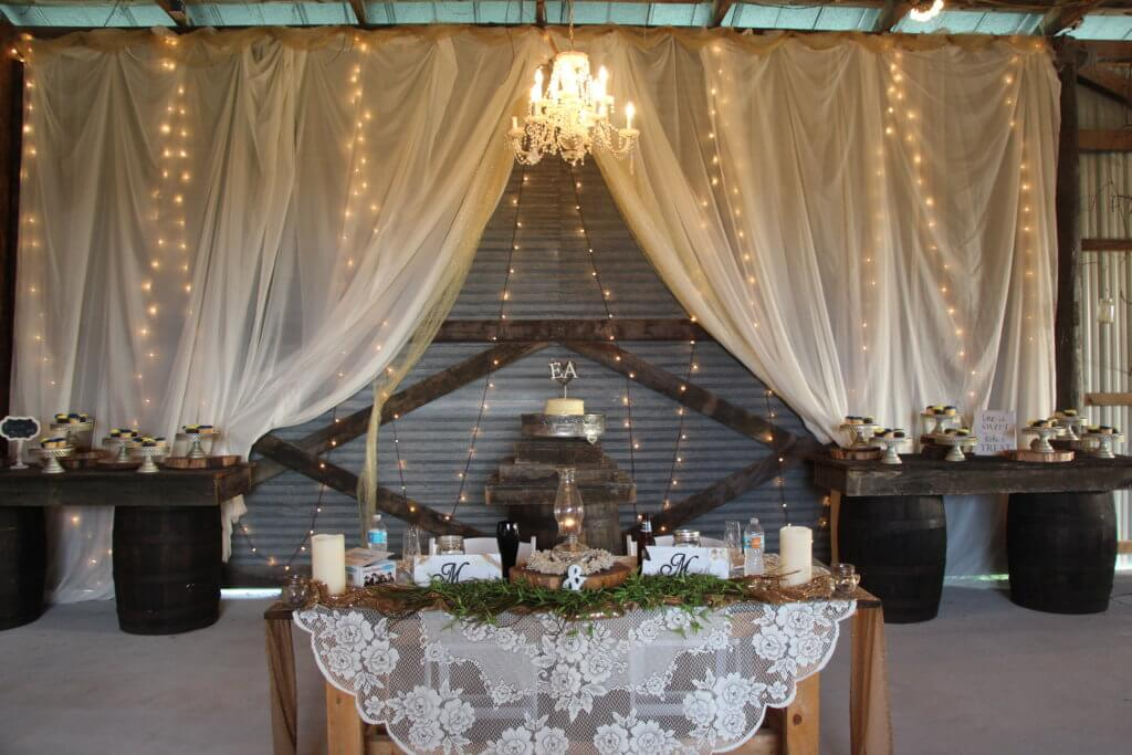 Bride & Groom Table at 3M Ranch and Events